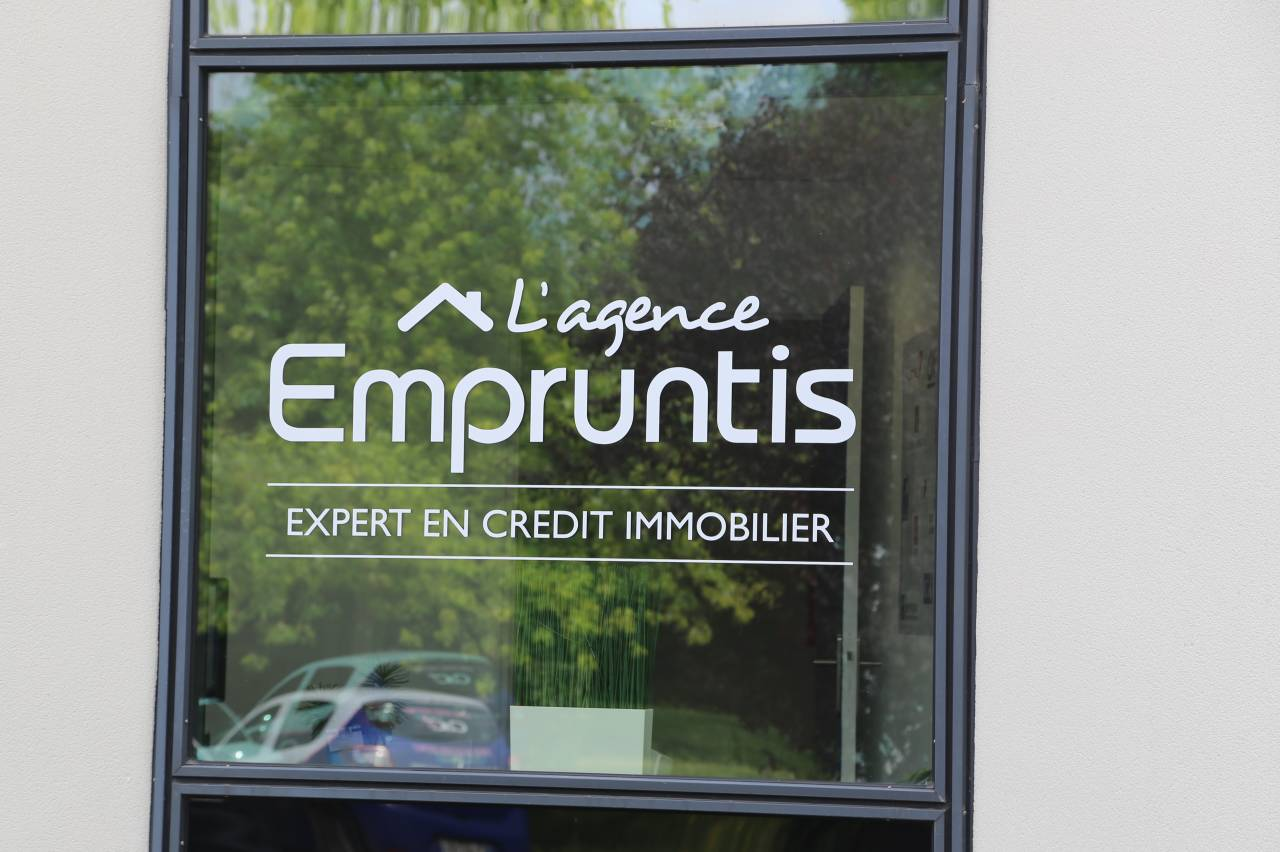 Empruntis L'Agence - Commerce Caen - Boutic photo 2