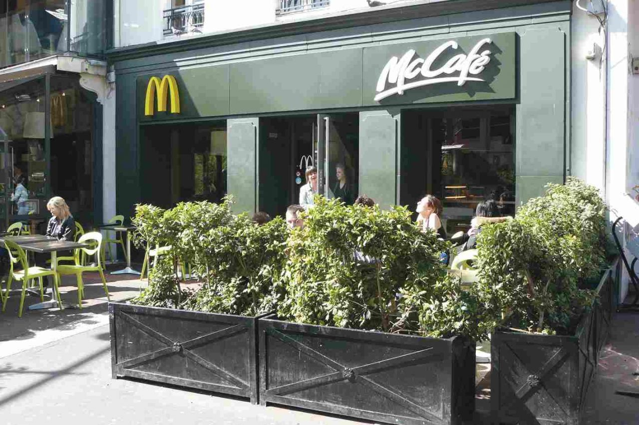 Mc Donald's - Commerce Caen - Boutic photo 1